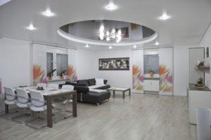 Натяжной потолок в доме: плюсы и минусы