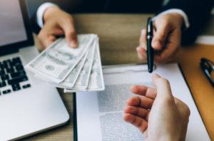 Кредит наличными — стоит ли выбирать?