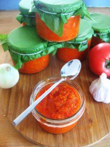 Аджика — грузинский томатно-перечный соус