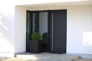 Критерии выбора входных дверей в дом