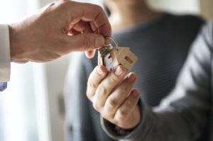 Одноквартирный дом со вторичного рынка — как купить недвижимость без риска финансовой катастрофы?