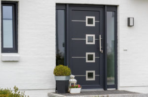 Что нужно учитывать при покупке входной двери?