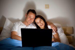 Каковы преимущества просмотра онлайн-фильмов?