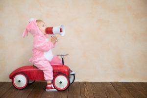 Катер, то есть первое самостоятельное транспортное средство для ребенка.